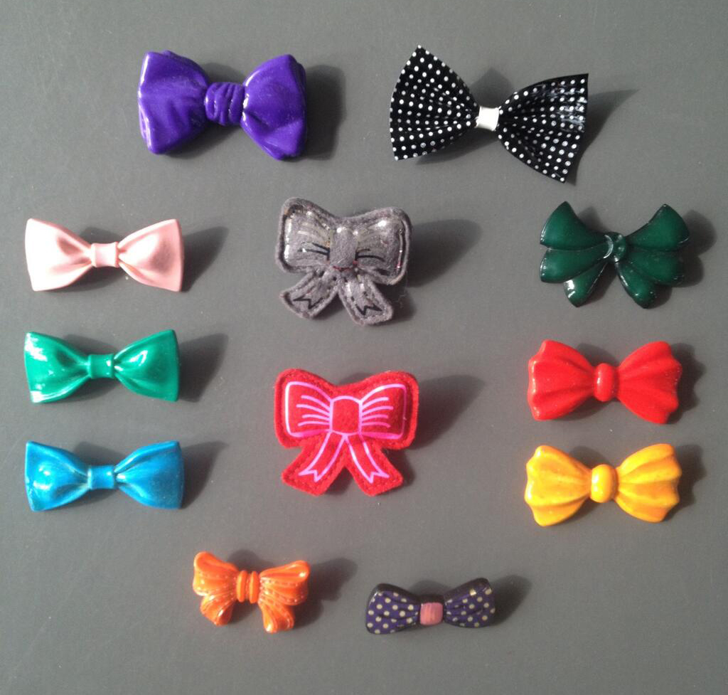 Roest-Bow-Brooch-Collection