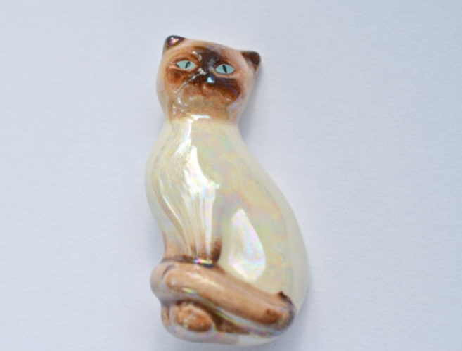 avon porcelain cat brooch