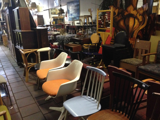 vintage chairs amsterdam