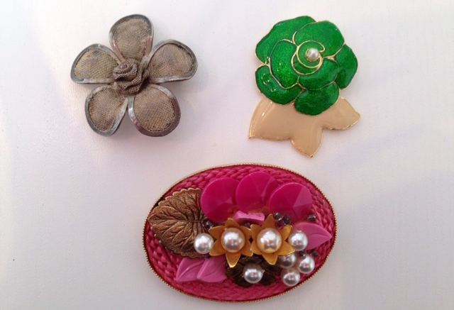 vintage-flower-brooches